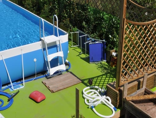 piattaforma legno piscina