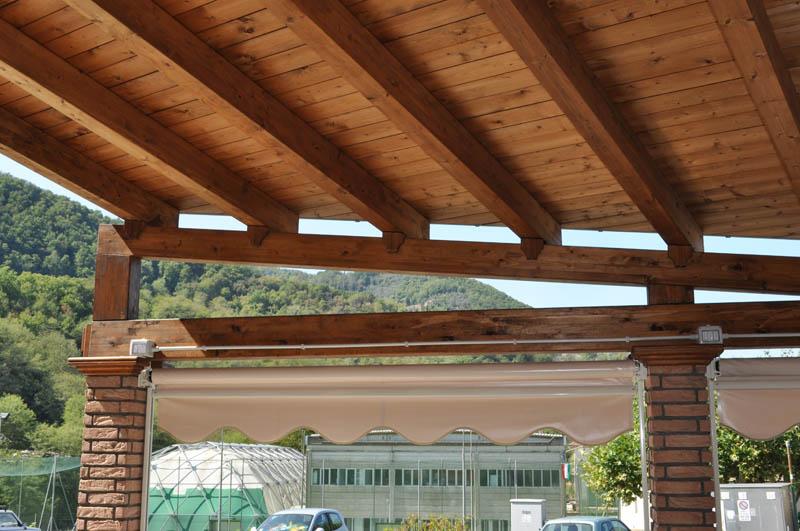 realizzazione tettoia in legno