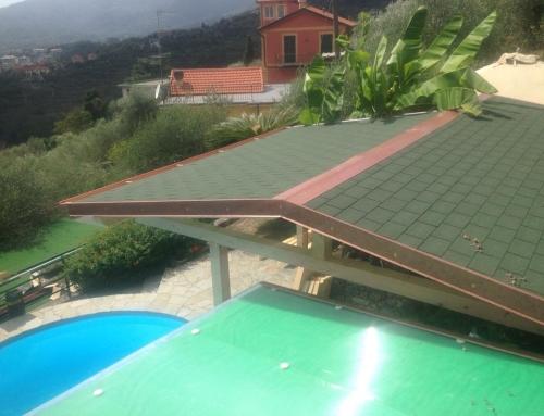 tettoia in legno realizzata per Cliente privato a Zoagli